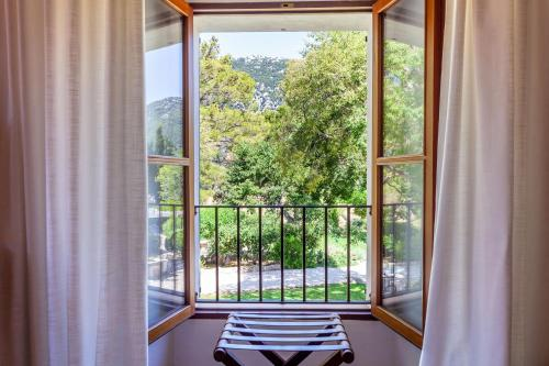 Superior Double or Twin Room with Terrace Finca Hotel Son Palou 6