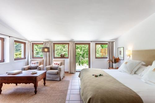 Superior Double or Twin Room with Terrace Finca Hotel Son Palou 18