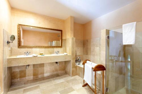 Junior Suite mit Terrasse Finca Hotel Son Palou 17