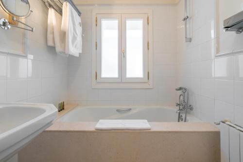 Suite Junior Hotel La Fuente de la Higuera 9