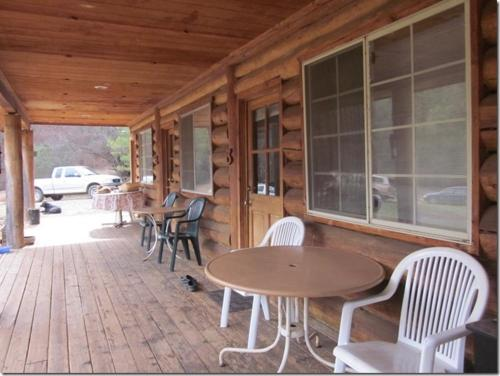Accommodation in Midpines
