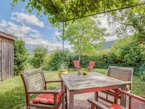 . Cozy Holiday Home in Marignac-en-Diois with Garden