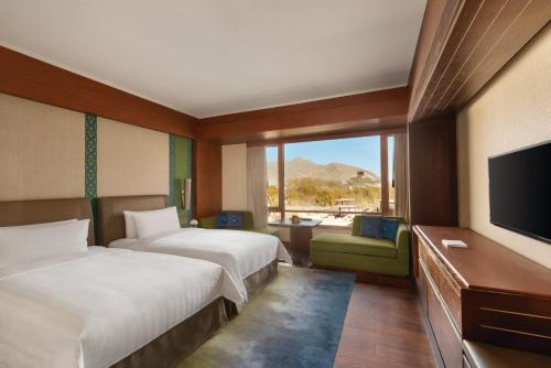 Horizon Club Twin Room with Potala View