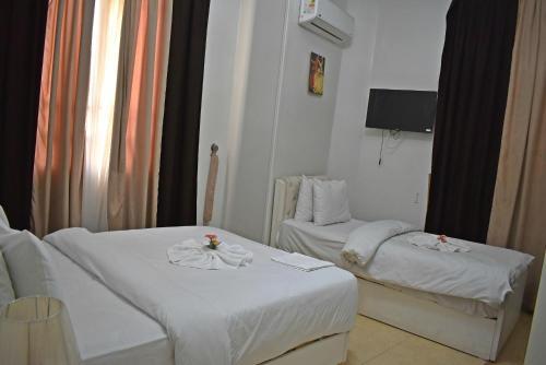. Abdeen Palace Hostel