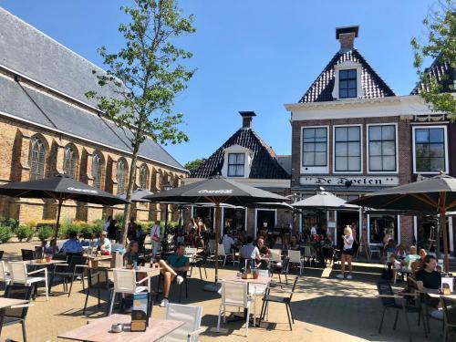 . Hotel Grandcafe De Doelen