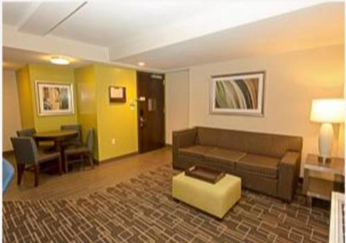 Stunning 1 Bedroom Rental in Midtown East