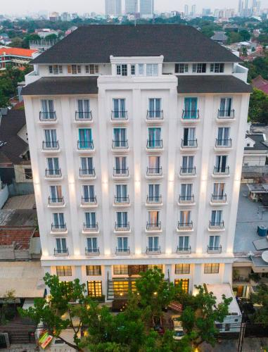 . Jambuluwuk Thamrin Hotel