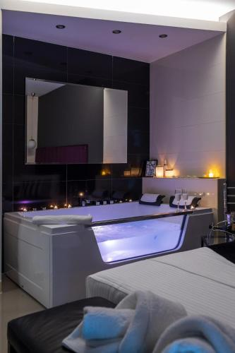 . NAR Royalton Apartments Studios Rooms