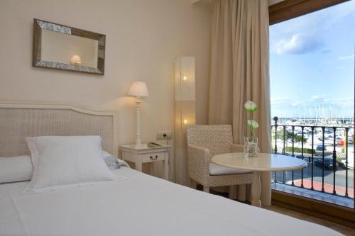 Habitación Doble Estándar con balcón - 1 o 2 camas La Posada del Mar 2