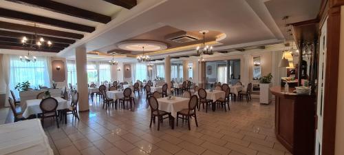 Hotel - Restauracja Koral - Photo 2 of 62