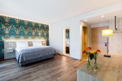 . Hotel Martha