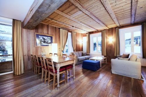Three-Bedroom Suite - External Chalet