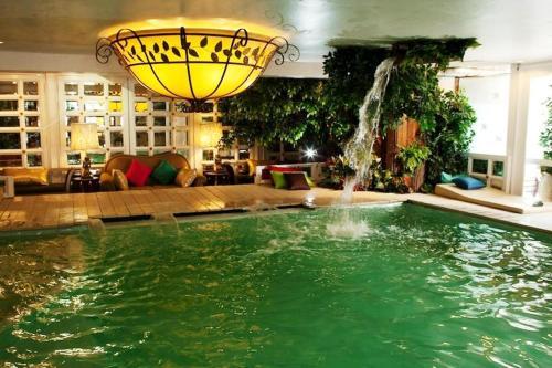 Diamond City Hotel photo 12
