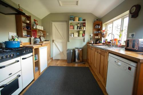 The Artists Cottage - Photo 5 of 40