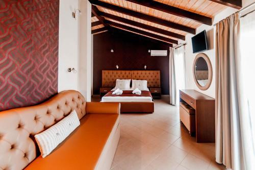 . Hotel Torini