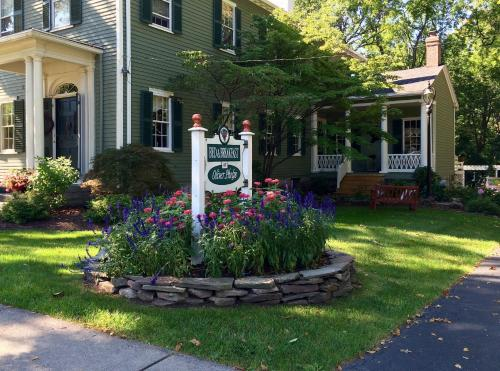 The Bed and Breakfast at Oliver Phelps - Accommodation - Canandaigua