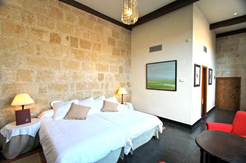 Deluxe Double or Twin Room - single occupancy Posada Real Castillo del Buen Amor 15