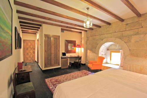Standard Double or Twin Room - single occupancy Posada Real Castillo del Buen Amor 8