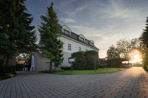 . Hotel Villa Nečas Žilina