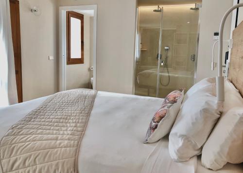 Habitación Superior con cama extragrande Hotel Abaco Altea 11