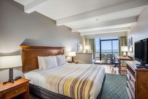 Country Inn & Suites by Radisson, Virginia Beach (Oceanfront), VA Main image 2