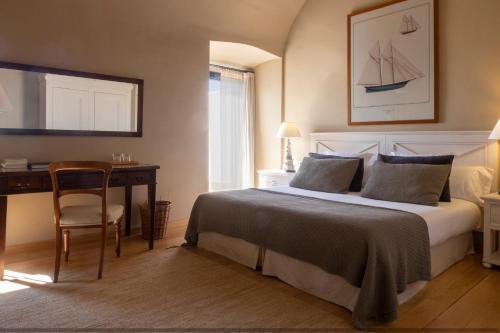 Habitación Doble con terraza y vistas al mar  El Far Hotel Restaurant 4