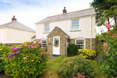 One Old School Cottages, Portscatho, Cornwall