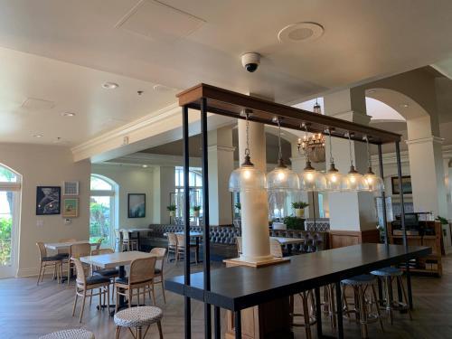 Hilton Garden Inn Carlsbad Beach - Carlsbad, CA CA 92011