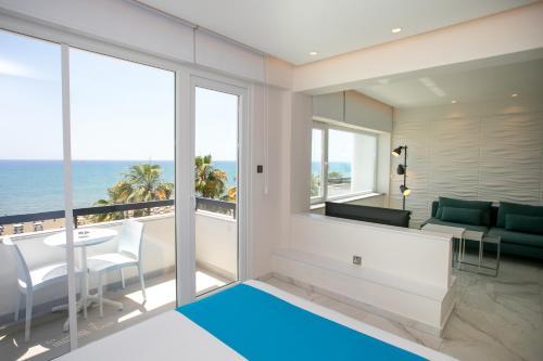 Les Palmiers Sunorama Beach Apartments - Photo 6 of 17