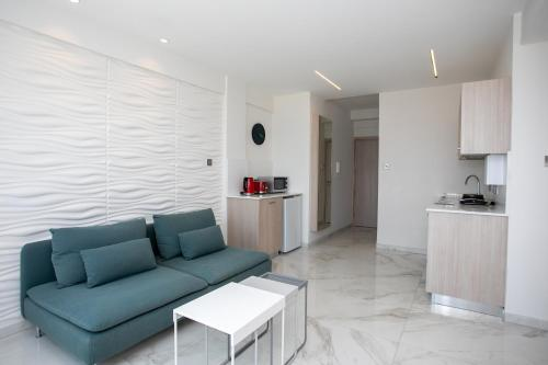 Les Palmiers Sunorama Beach Apartments - Photo 5 of 17