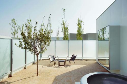 Zimmer Cube mit eigenem Patio und Badewanne im Freien Hotel Aire de Bardenas 2