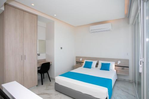 Les Palmiers Sunorama Beach Apartments - Photo 4 of 17