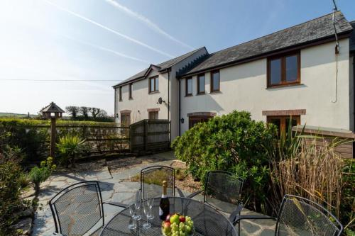 Tranquil Location Just Minutes From Padstow, St Merryn, Cornwall