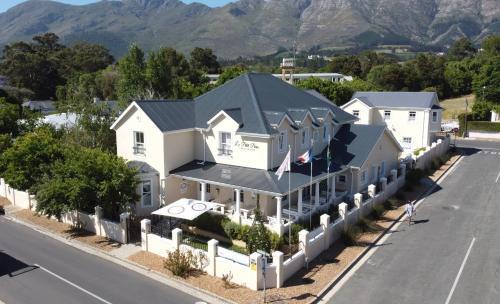Le Petit Paris, Franschhoek, Western Cape