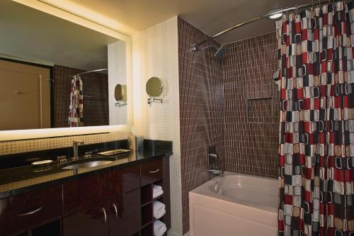 Photo - Elara by Hilton Grand Vacations - Center Strip