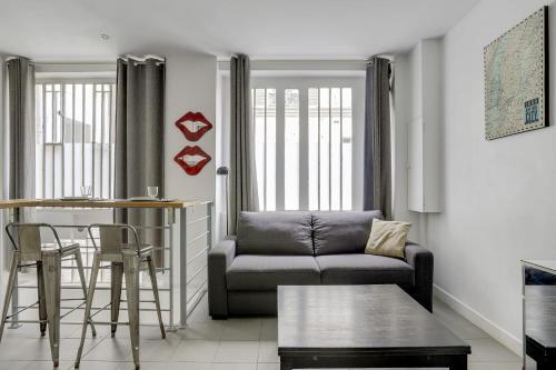 170 Suite ANGOULEME large Duplex style APT with1 BDR Paris Central - Location saisonnière - Paris