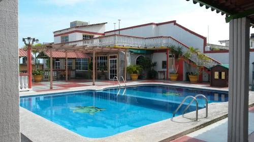. Hotel y Bungalows Monteverde