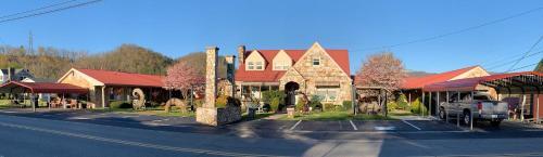 . Phillips Historic Motel & Cottages