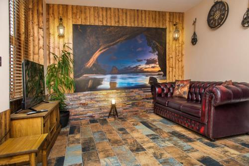 Pirate's Cove Luxury Themed Apartment, St Austell, Cornwall