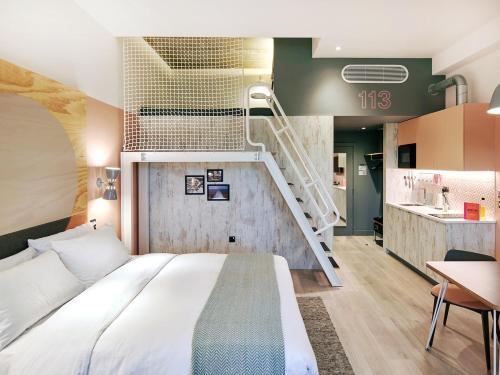 room2 Southampton Hometel