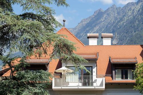 Der Ladurnerhof - Wohnen am Weinberg Meran 2000