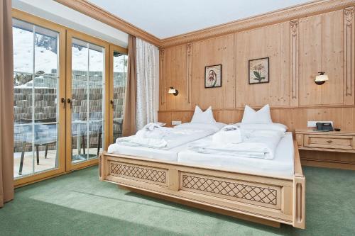 Wohlfühlhotel Garni KERSCHDORFER - Hotel - Kaltenbach