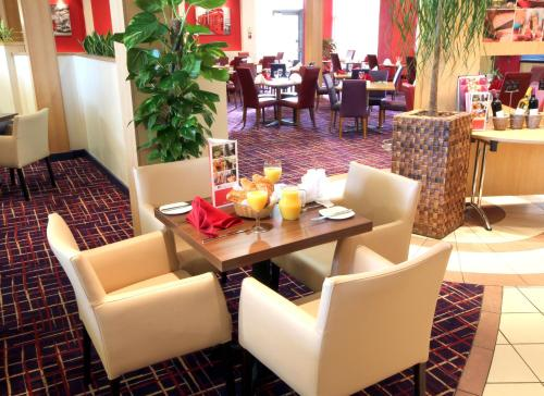 Ramada London North photo 19