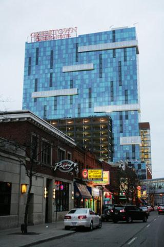 Rooms at greektown casino hotel cube nightclub rivers casino