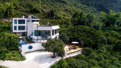 . Yangshuo Serene Cove Hotel