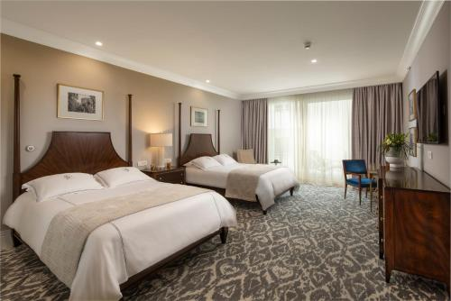 Photo - Royal Blue Hotel