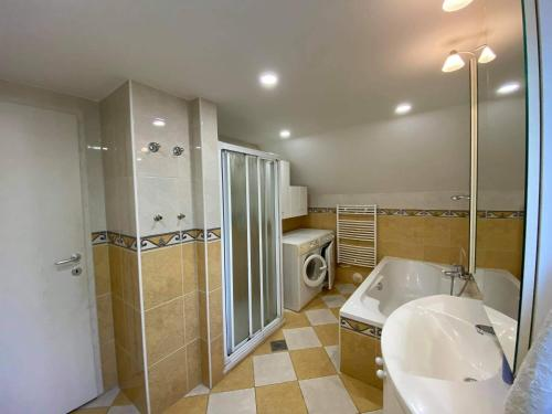 Apartment Kranj - huge terrace, free P, free WI-FI, free AC - Kranj