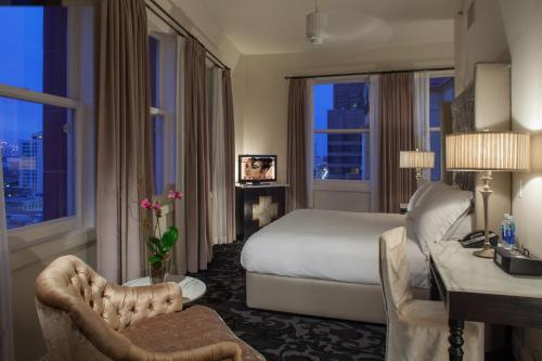 Photo - International House Hotel