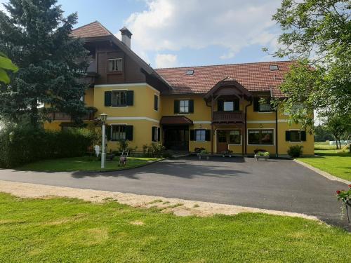 Dachberghof - Hotel - Sankt Andrä