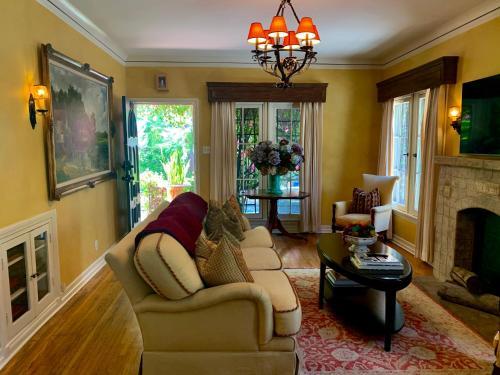 Villa Delle Stelle - Los Angeles, CA CA 90028